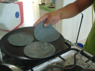 tortillas de maíz azul